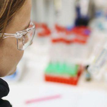 swab-sample-surface-coronavirus